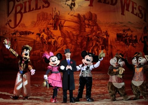 Buffalo Bill's Wild West Show… ¡con Mickey y sus Amigos!
